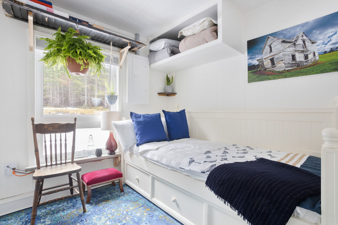 BEDROOM_ONE_WIDE_POLLY_HILL_20190408_007-1